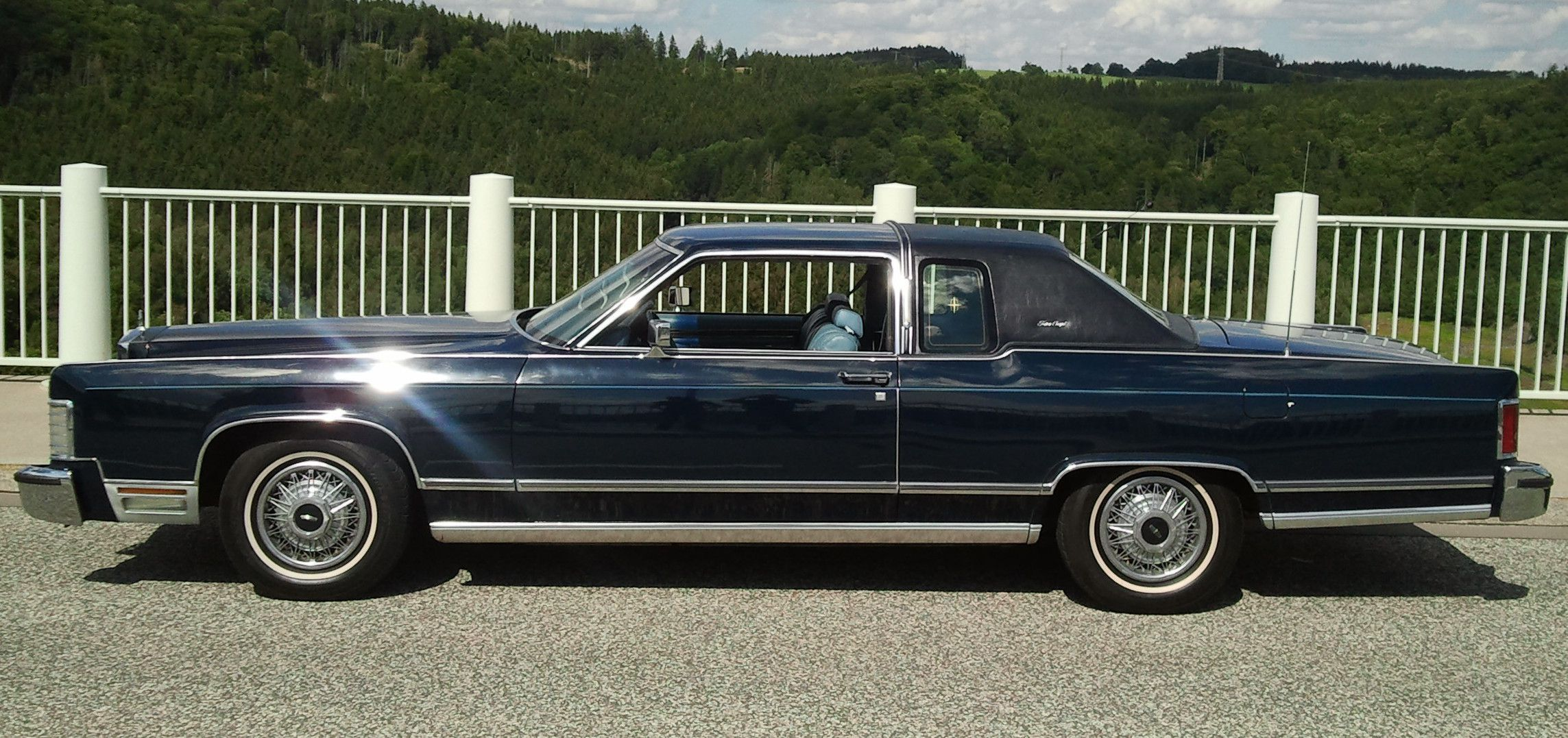 lincoln-continental-town-coupe-001